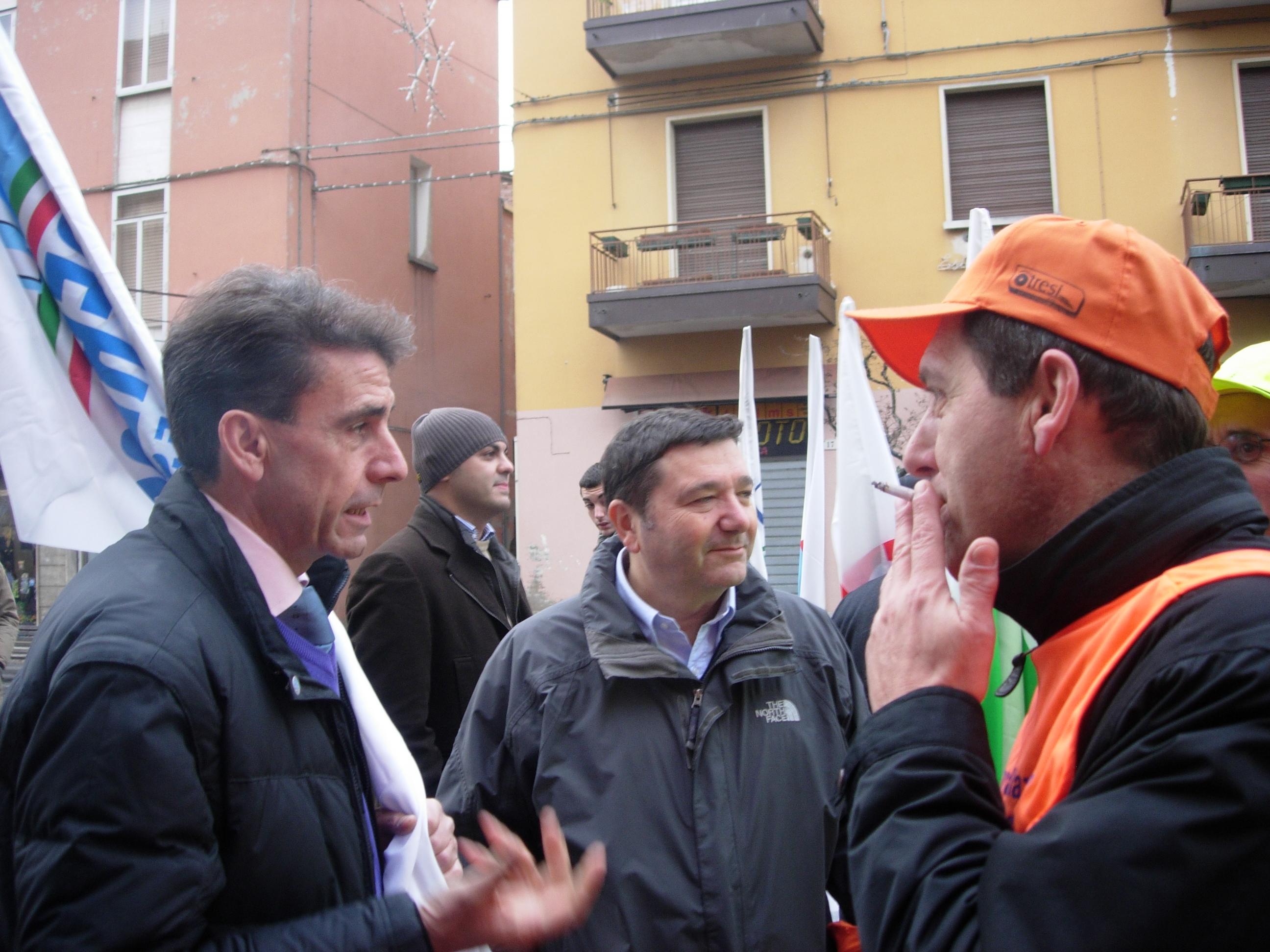 Ignazio Belfiore al centro nella foto
