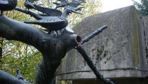 La scultura deturpata