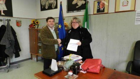 Il PD dona mille euro alla scuola