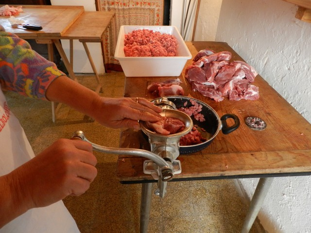 Salami e salsiccie fatte in casa