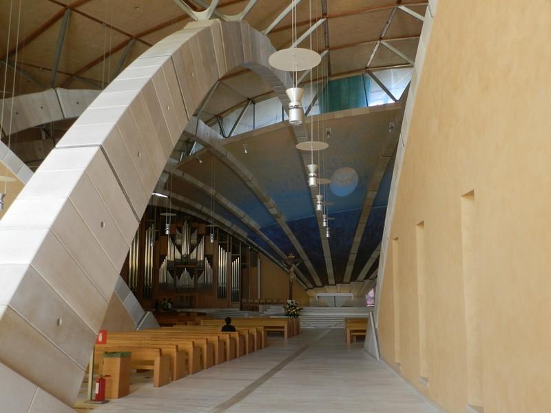 San Giovanni Rotondo - Un ingresso al Santuario
