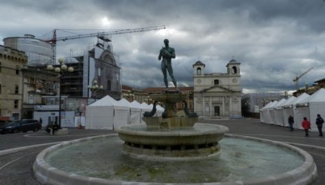 LAquila - Piazza Duomo