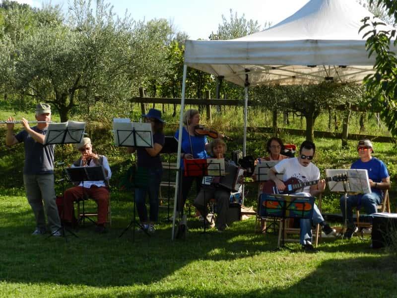 La Pressapoco Band al concertino della Pocca